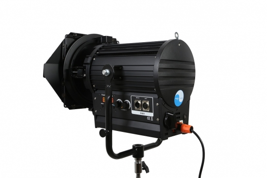 LED FRESNEL SPOT LIGHT SW-CSJ200WS Bi-Colour