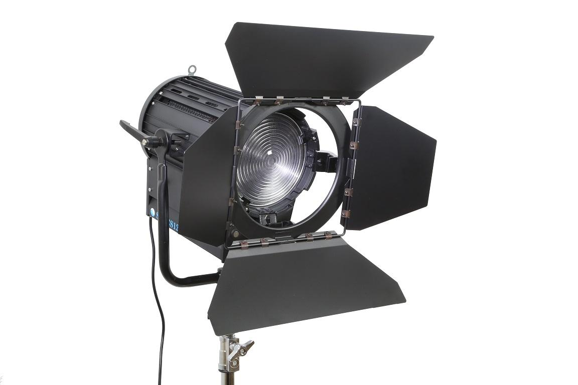 LED FRESNEL SPOT LIGHT SW-CSJ200W Daylight